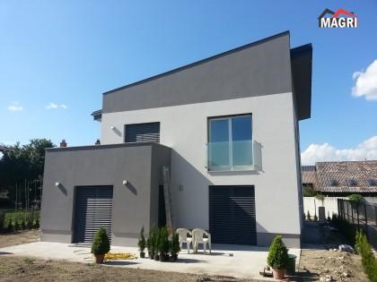 Gradnja nizkoenergijske stanovanjske hiše Domžale